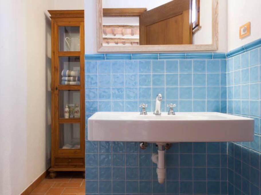 Casa La Leccia, bagno principale