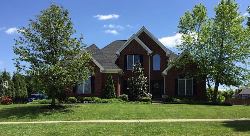 Upscale Crestwood, KY home - Crestwood - House