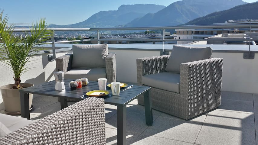 Appartement Rooftop avec vue sur les montagnes - Seynod - Daire