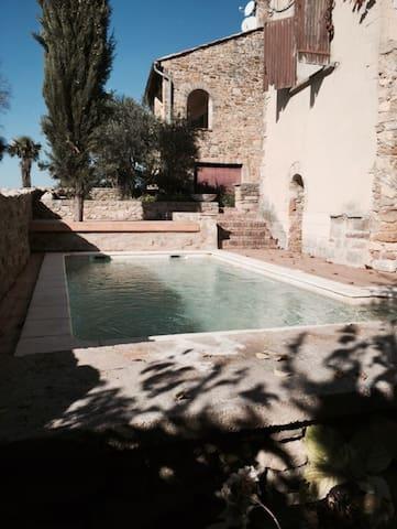 maison en pierre 150 m2, 2 grandes terrasses, vue - Sabran