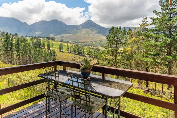 Fynbos Log Cabin, Dream Nature and Wildlife Estate