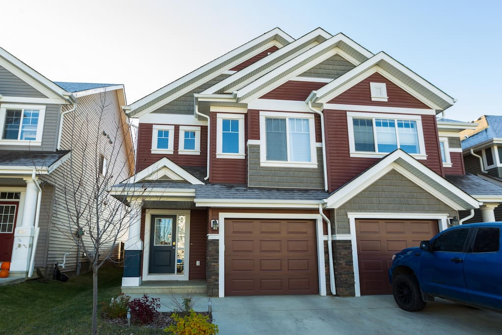 LUXURY HOME IN BEAUTIFUL SUMMERSIDE - Houses for Rent in ...