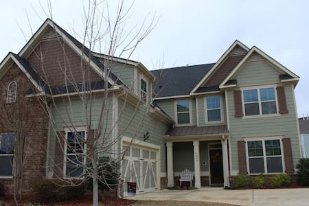 Great Master's Rental in Golf Course Community