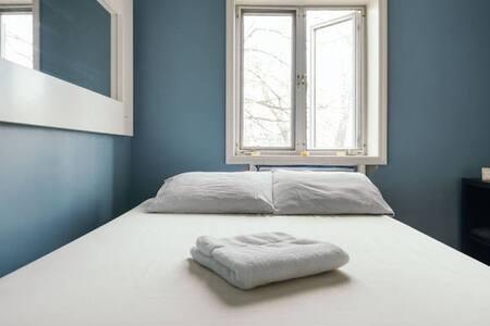 Cool & Comfy Bedroom in Loft - Queens