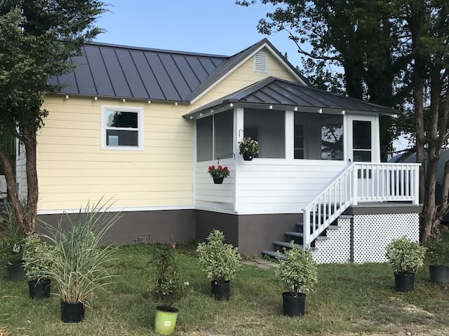 Bumble Bee Cottage, for your family beach vacation