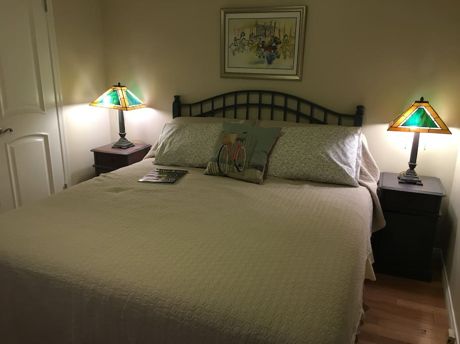 Smaller bedroom with king bed