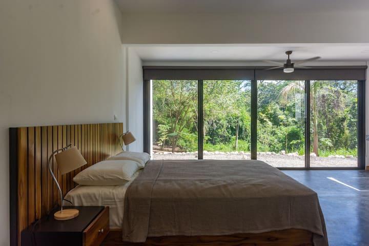 Apartment near La Luna/Walk To Pelada and Guiones!