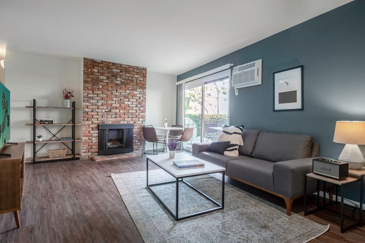 Walkable Westwood 1BR w/ Rooftop, W/D, near cafes & UCLA, by Blueground