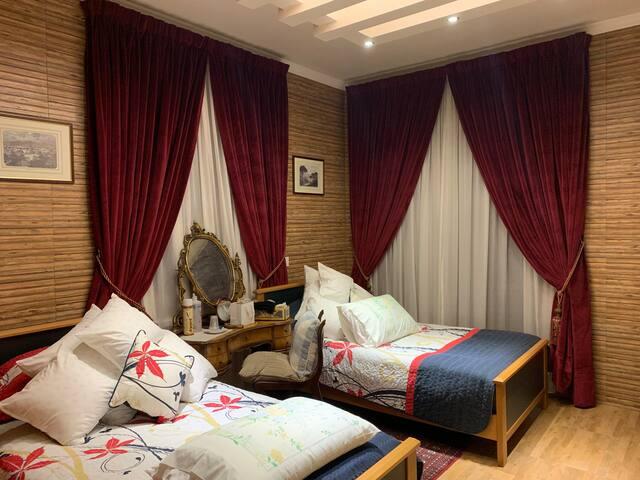 Room + bathroom + terrace in the heart of Mayrouba