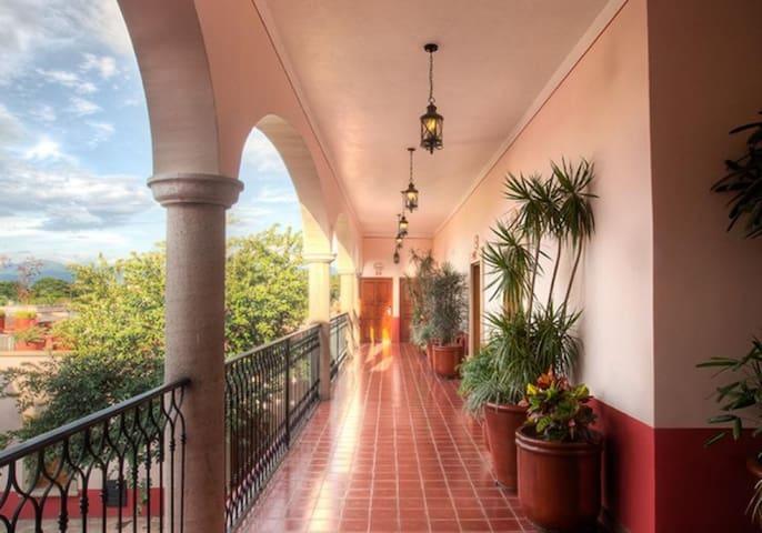 Gran Casa Sayula Hotel-Galería-Spa - Habitación Deluxe Queen - Tarifa estandar