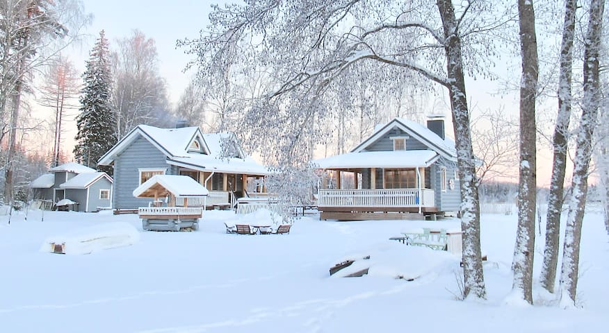 ❤ Lakeside Villa and Sauna/Guesthouse for 8