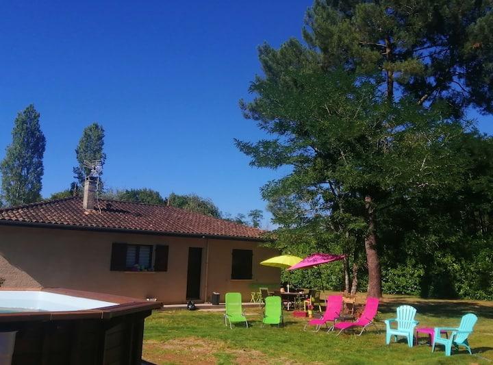 Le Jardin De Marie, calme et nature avec piscine