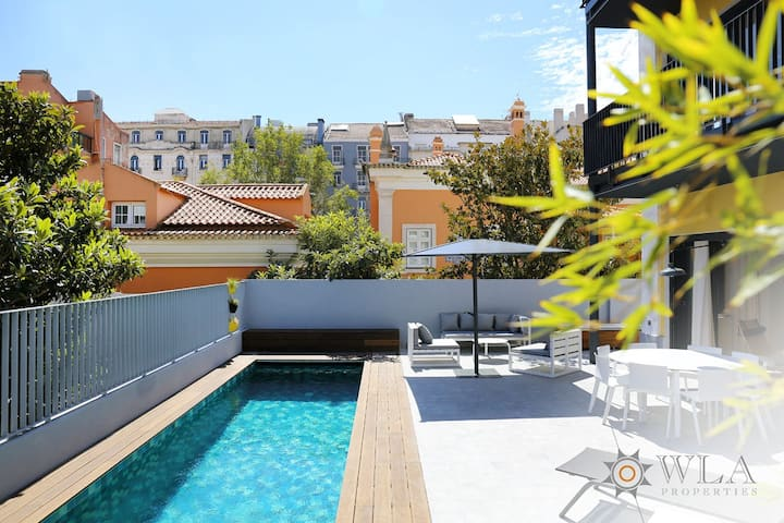 Bright 3-Bedroom with Private Pool & Terrace