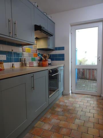 kitchen through to the rear courtyard garden