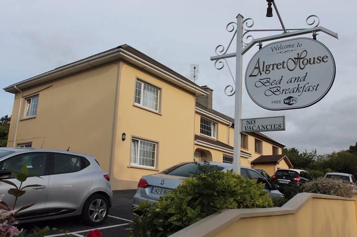 Algret House , Killarney  ,Highly Rated B&B (Twin)