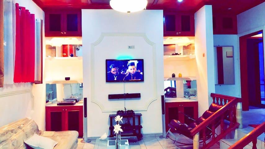 Mini Villa Discrète et Cosy Douala tout Équipée
