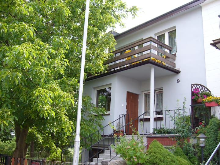Apartament nad Parsętą w cichej willowej dzielnicy