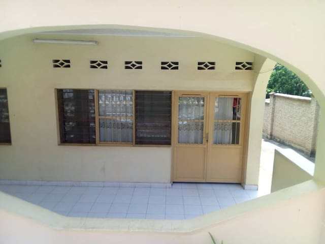 "Joli studio""IZERE"" à Buja idéal pr 1 à 2 personnes"