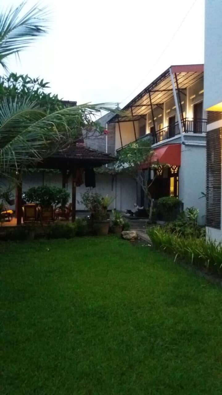 Rumah Kayen Homestay (1) Room for 1 person