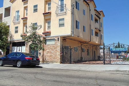 Private 1 Bed/1Bath - Los Angeles - Apartment