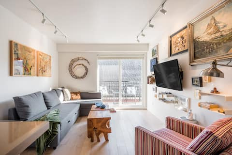 Head to Main Street for This Stylishly Renovated Apartment