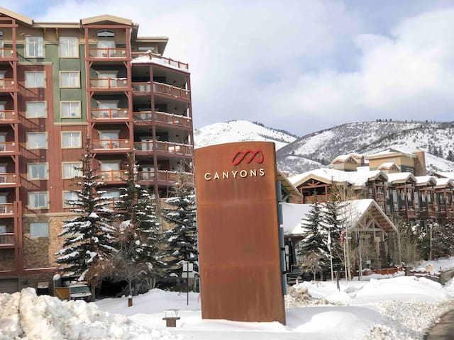 Canyons Park City Ski in/out Luxury Villa