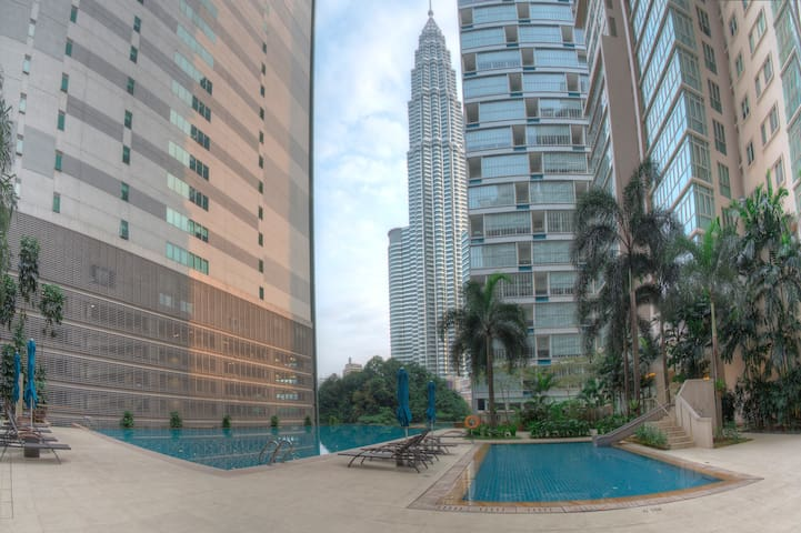 Luxurious Apartment at Marc Residence, KLCC