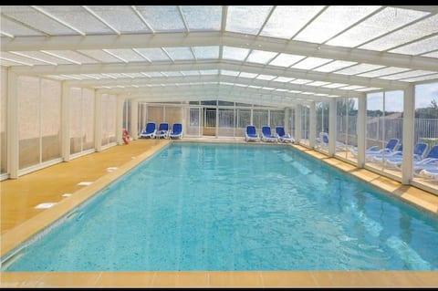 Maisonnette 4 pers.+ piscine couverte et chauffée