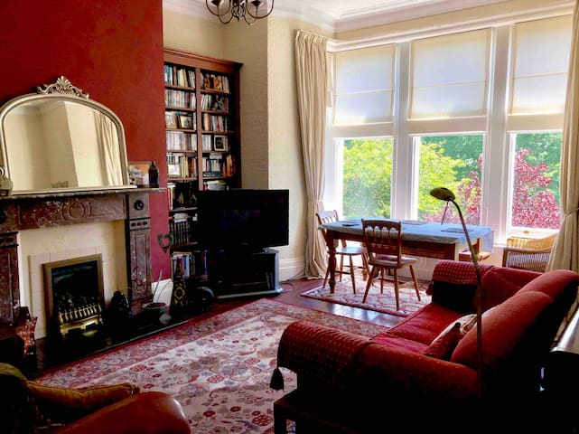 St Anne's  Victorian Apartment -close to the beach