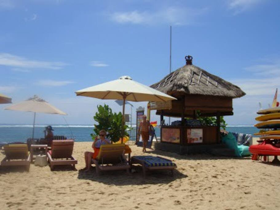 beach club (free sun bed and towels)