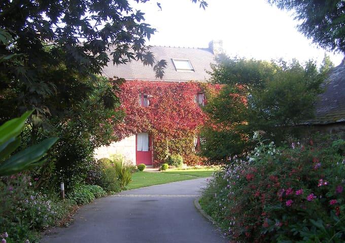 Maison d'hôtes 2/4 personnes près de Quimper - Landudal - Talo