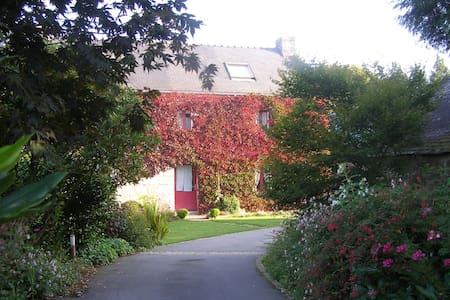 Maison d'hôtes 2/4 personnes près de Quimper - Landudal
