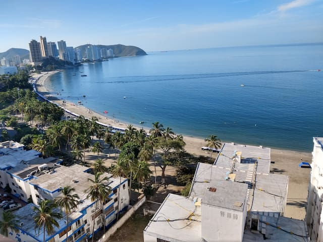 Apartamento Vista al Mar y Bahía con parqueadero