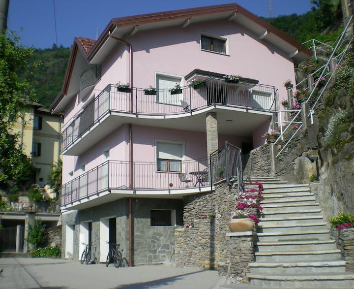 Casa Vacanze Nora-Lake Como-Bikes & Bikers Home