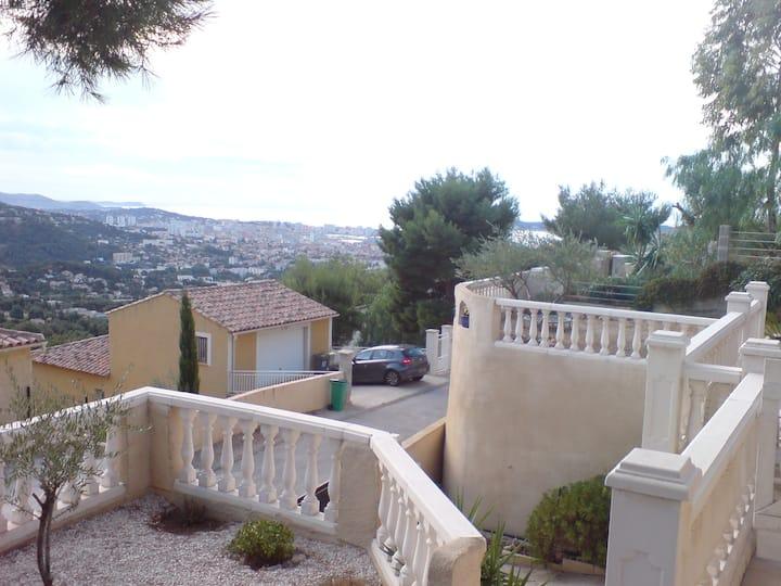 Villa sur les hauts de Toulon