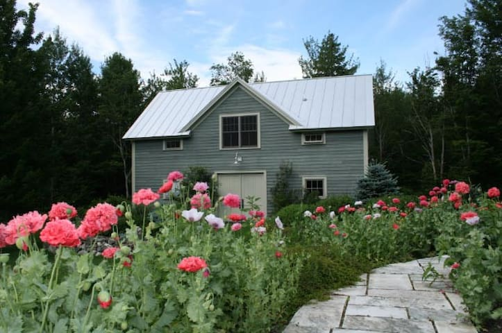 Luxury Barn Apt. Near Middlebury, Burlington, VT - Lincoln - Huoneisto