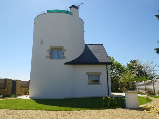 MOULIN  RENOVE TOUT CONFORT  - Le Tour-du-Parc - House