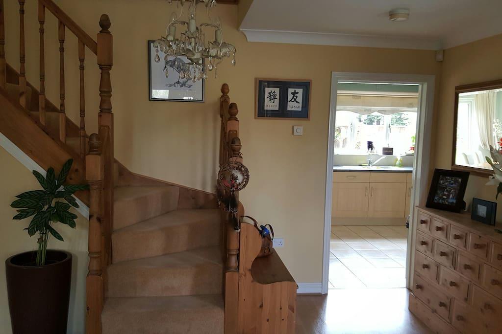 Hallway / foyer
