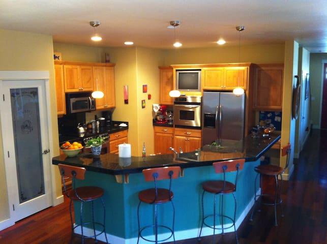 Westside 3,000 sq ft home!