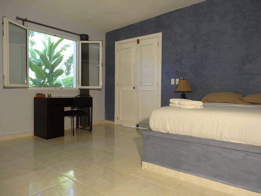 Room with bathroom 20 meters of sea