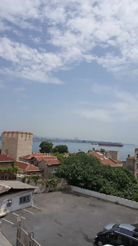 Old City SEA VIEW Room - Central Location