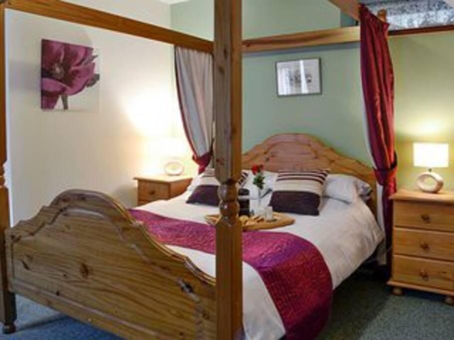 Garden double bedroom