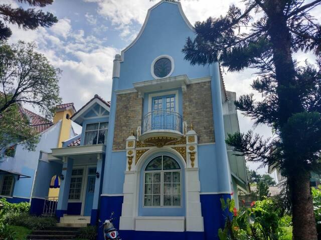 Vila Puncak Kota Bunga 3BR(Bersih nyaman)
