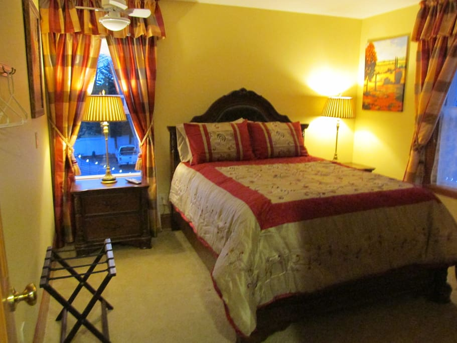 Beautiful Victorian Bed & Breakfast - Bed and breakfasts for Rent in Lake Stevens, Washington ...