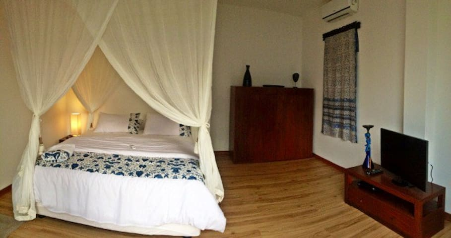 Charming  Room in Private Pavilion1