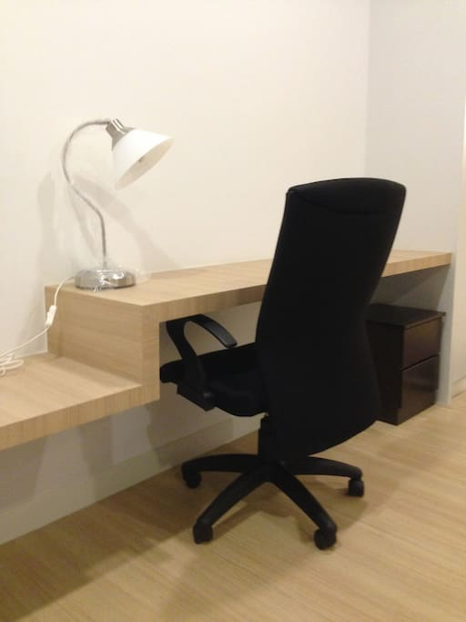 Working desk with table lamp