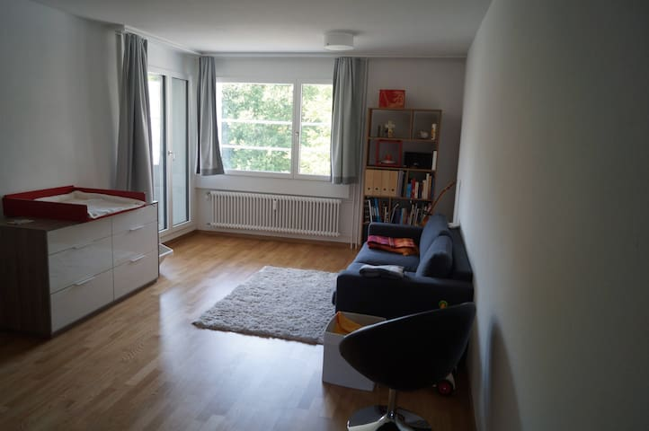 Beautiful new big Apartment- 10 min to Lake Zurich