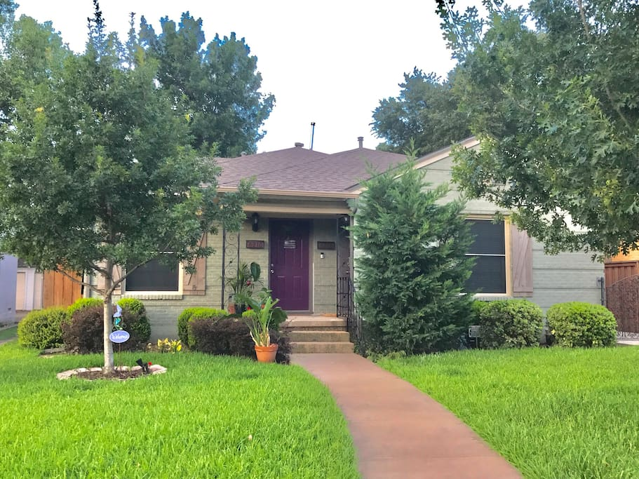 The house is located on a quiet street near CVS, coffee shops, several grocery stores and tons of great restaurants! Property has on site outside surveillance and keyless entry.