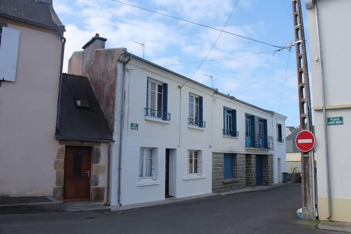 maison de ville au coeur de Camaret