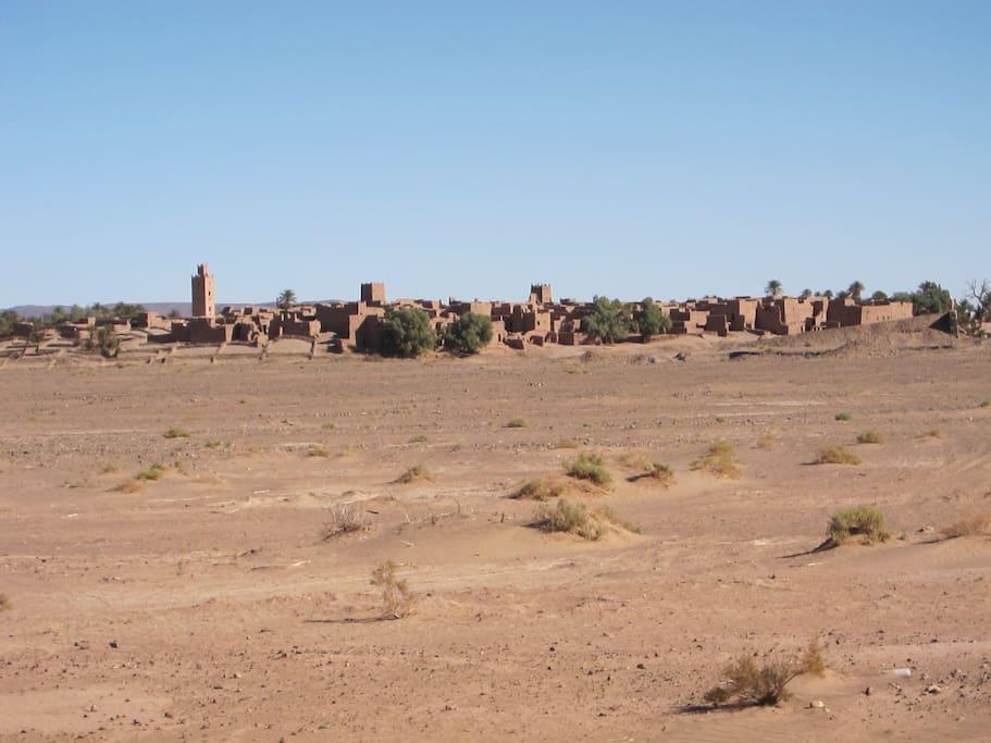Ksar Bounou desde el desierto
